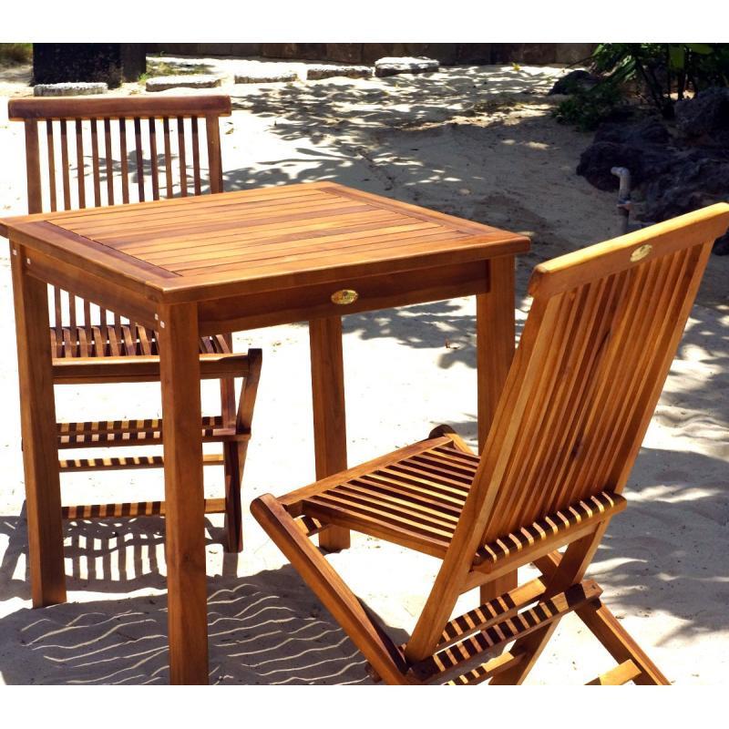 table et chaises de jardin en teck