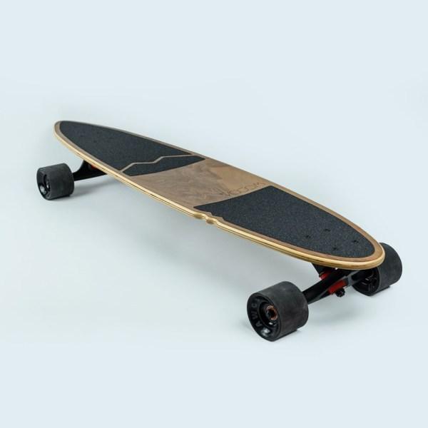 Présentation longboard en bois fabriqué par WoodaBoards