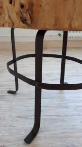 Beistell-Tisch aus Holz - Detail