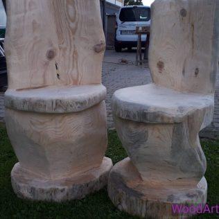Stuehle aus Baumstuempfen_Beitraege Sitzmöbel