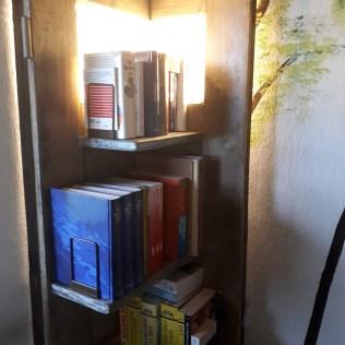 Bücherregal Decken- Leuchte by WoodArt