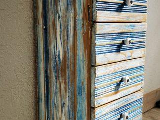 Vintage Kommode aus altem Türfutter.Schubkasten-Kommode