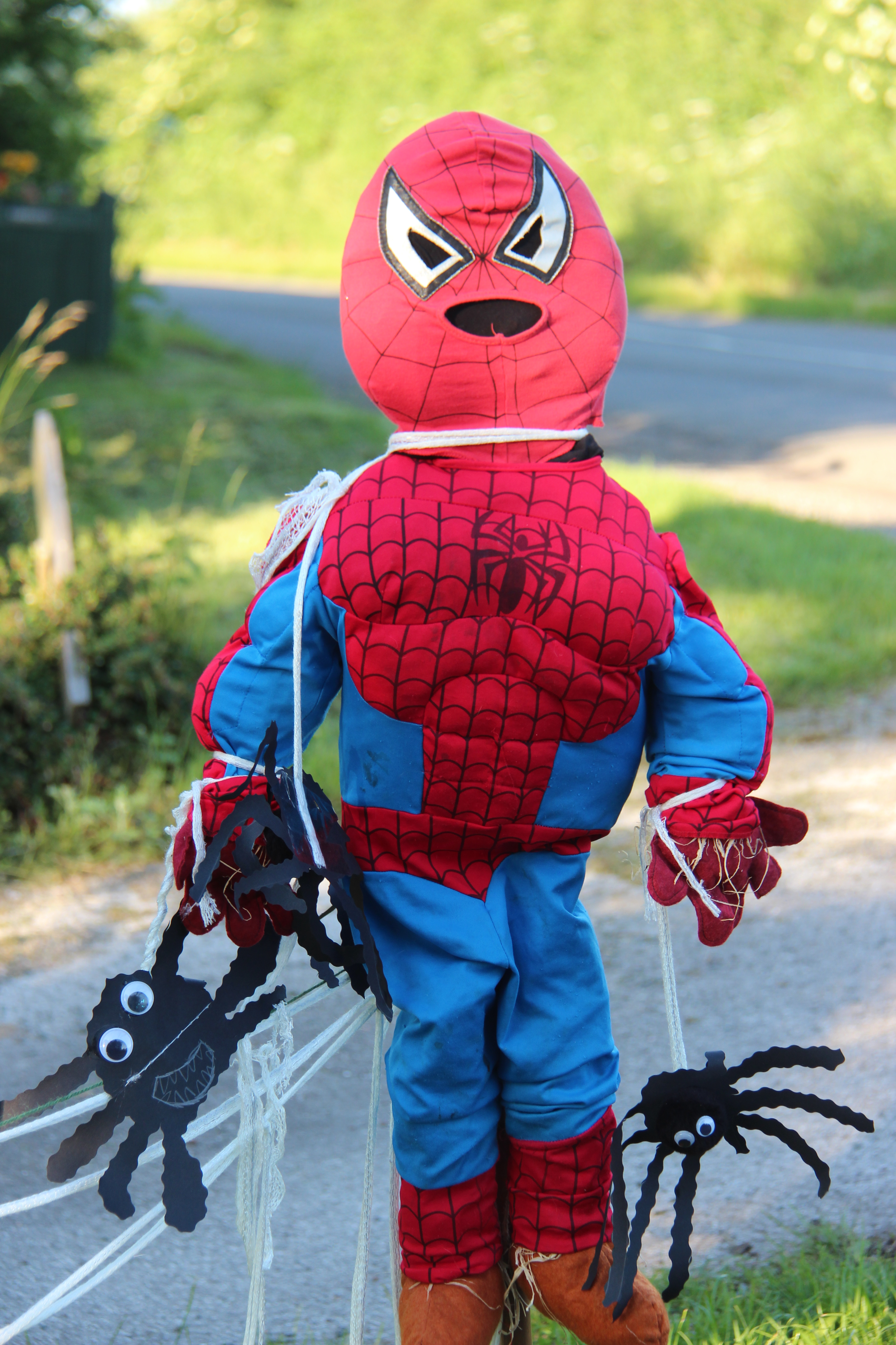 Heroes And Villans Scarecrow Competition 2014