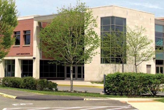 Amity High School Abruptly Switches To Remote Learning