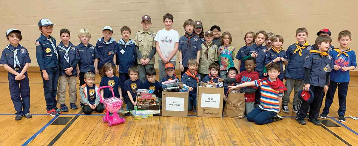 Pack 902 Donates to Toy, Food Drive