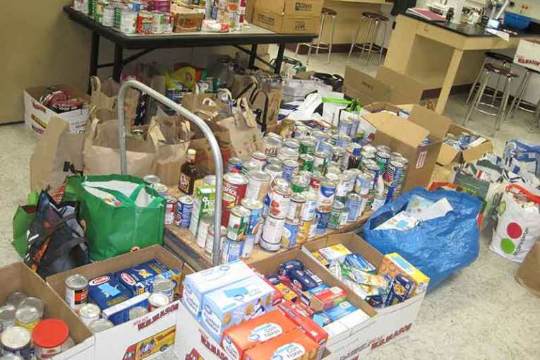 Amity Middle School-Bethany School-Wide Food Collection