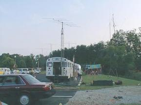 fd98-bus_tent_towers