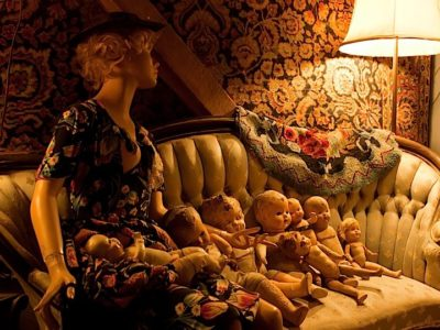 Mannequin and Dolls