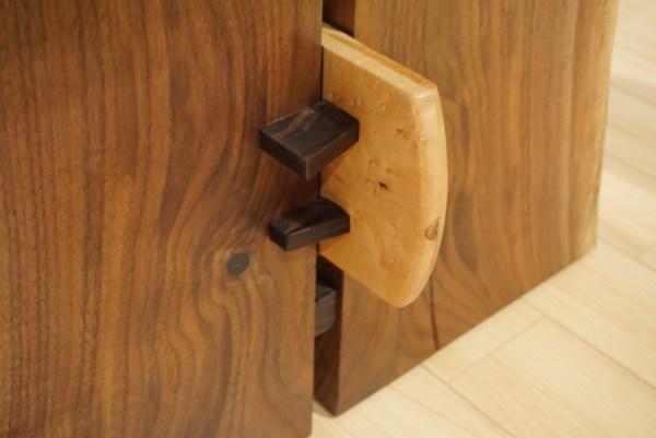 wood-peg-table