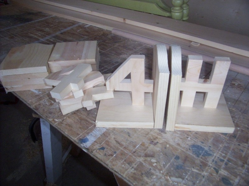 4 H Club Woodworking Project Bookends