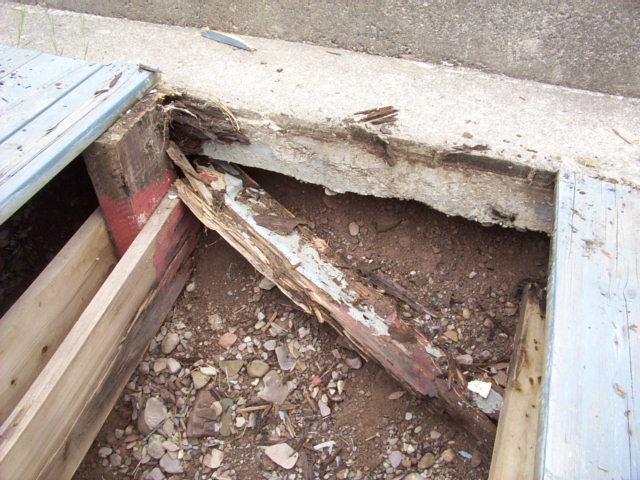Rotten deck construction.