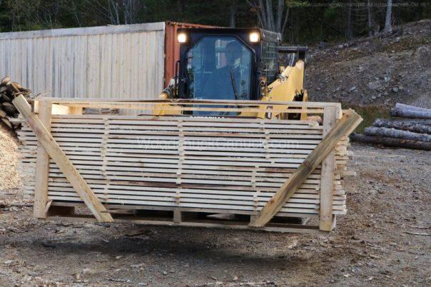 lumber,skidsteer