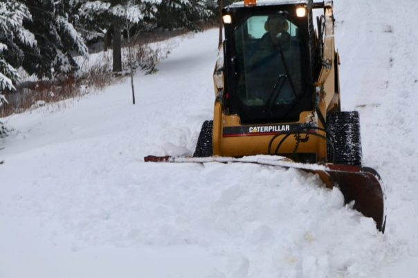 skidsteer,winter,snow clearing