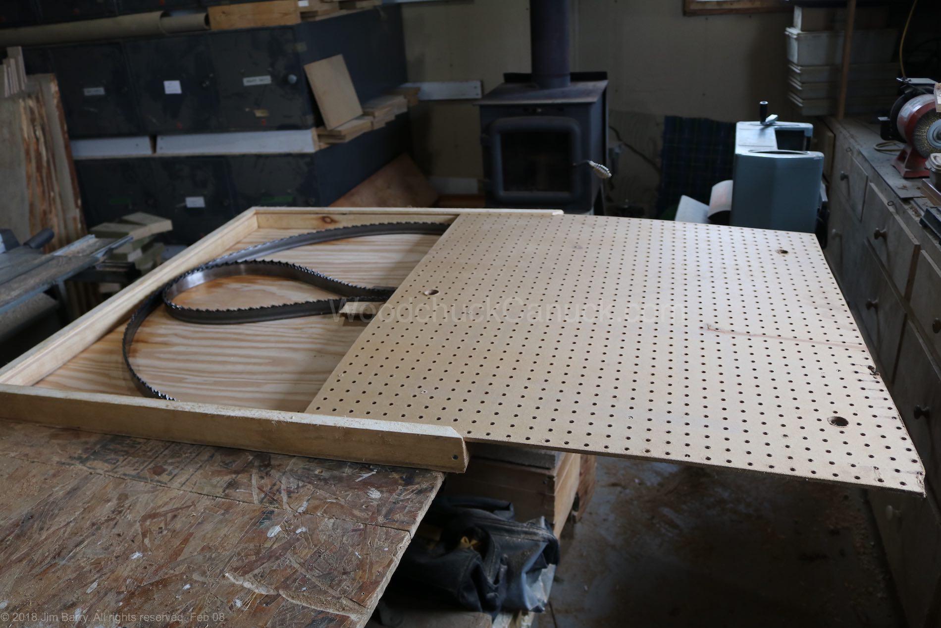 Ten blades per flat pack box.