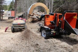 wood chipping,mulch,flower beds