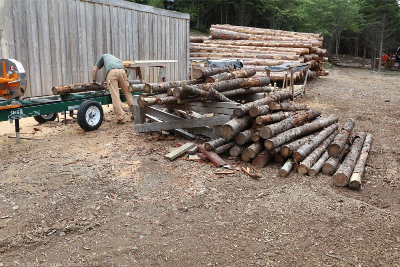 Milling small tamarack logs