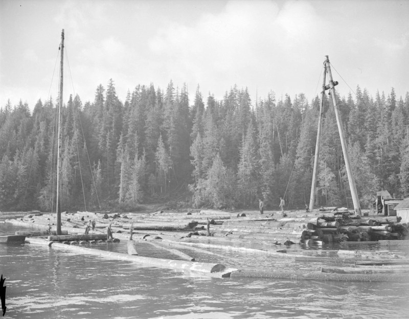 1945 Davis Raft making off the Queen Charlotte Islands.