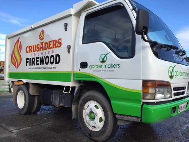 Oregon firewood delivery. Crusaders Premium firewood delivery truck.