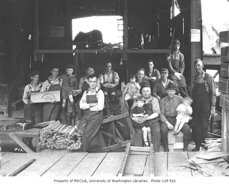 Carbon River Shingle Company mill workers and children.