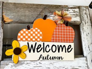 Welcome Autumn Hanging Wooden Sign