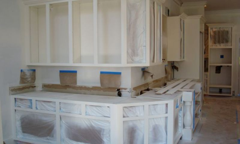 Spraying lacquer on cabinets for Airless paint sprayer for kitchen cabinets