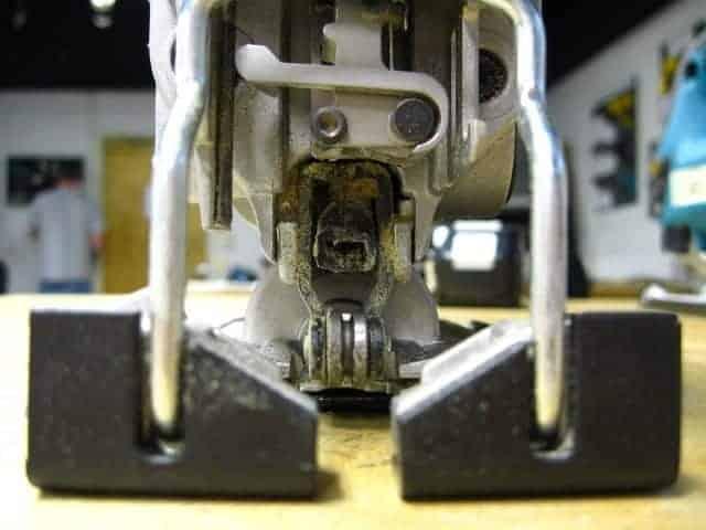 Jigsaw guide bearings