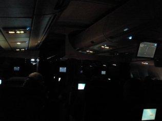 Skrydžio metu. Vidurnaktis lėktuve.