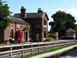 Hadlow_Road_Station_2