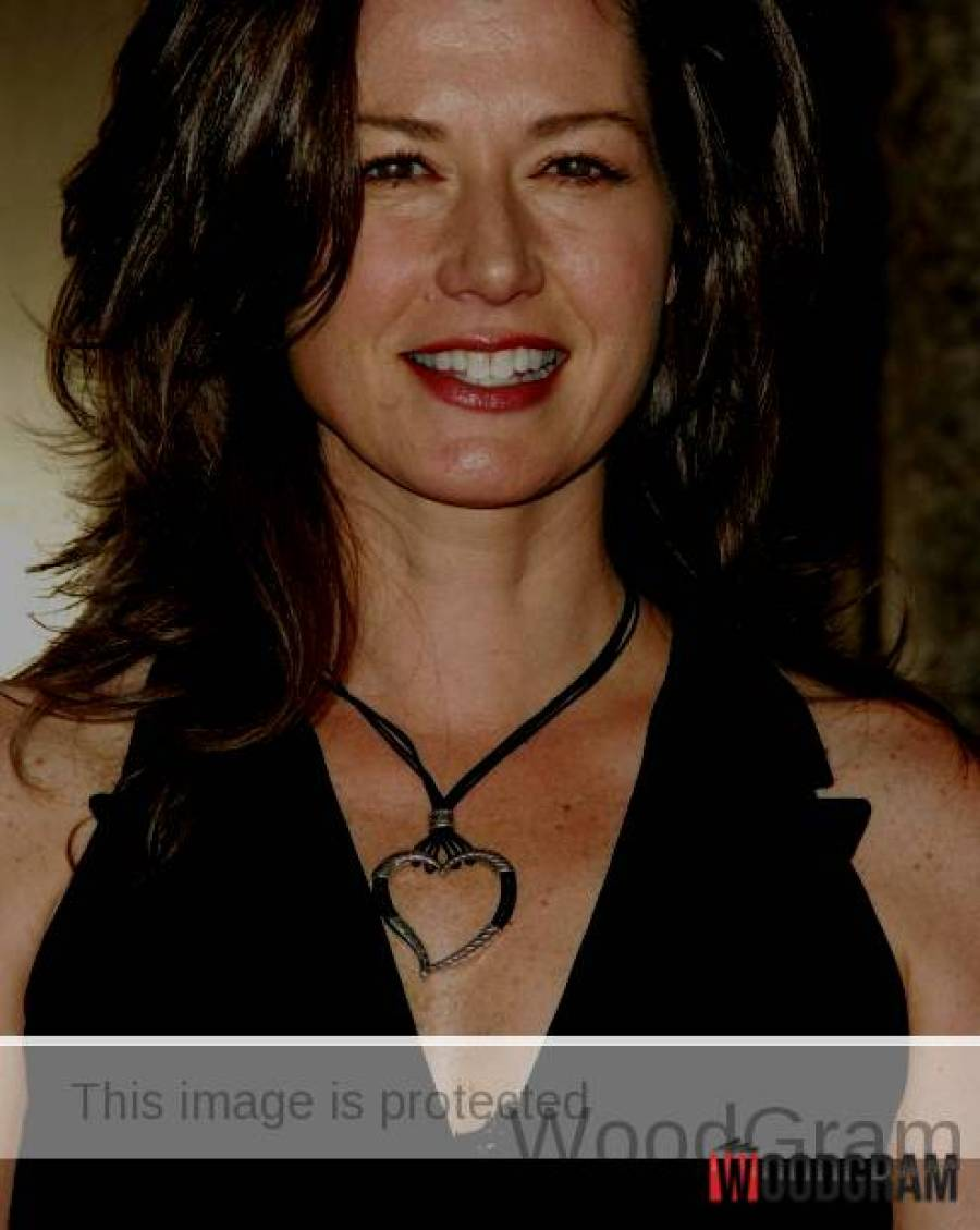 Amy Grant Hot Image