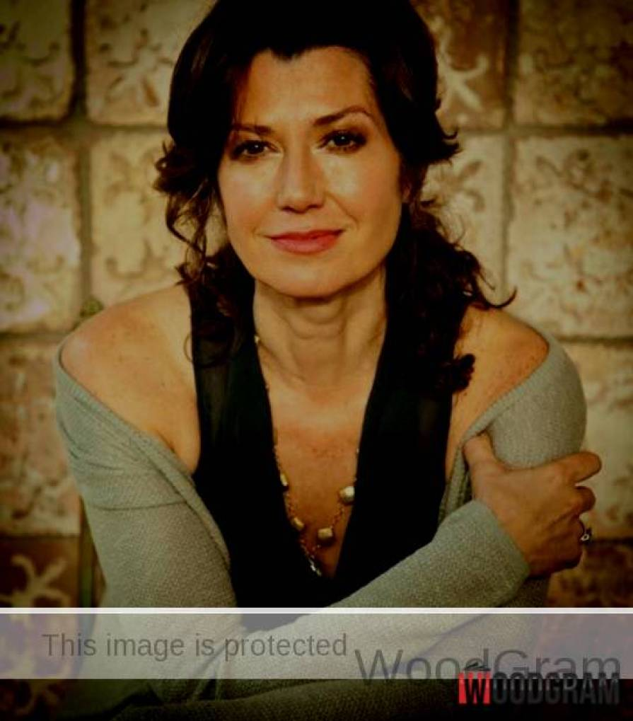 Amy Grant Hot