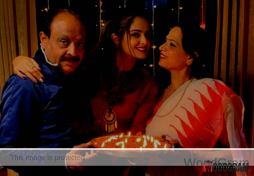 Asmita Sood With Her Parents