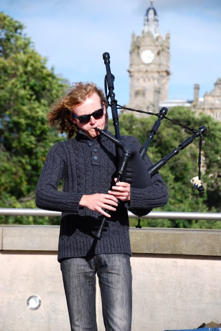 Bagpipe player for The Spinning Blowfish