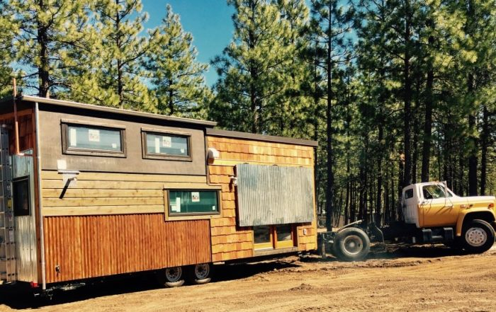 Tiny House on wheels Delivery