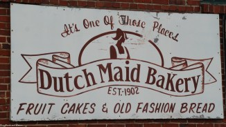 01dutch_maid_sign