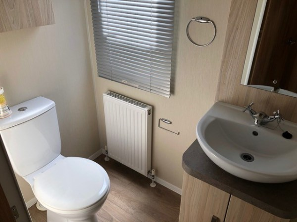 Willerby Rio Premier Bathroom