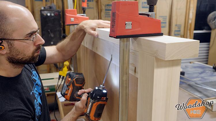 Pocket Hole Joinery DIY Farmhouse Platform Bed