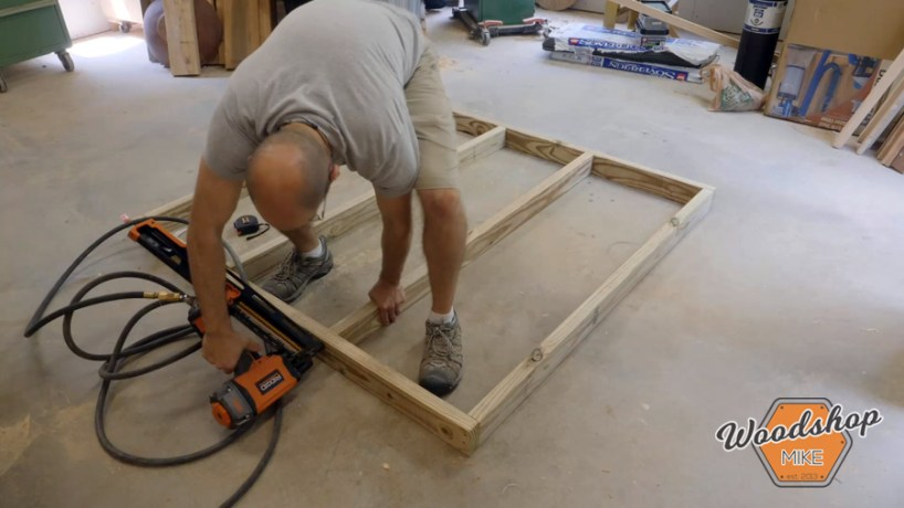 framing base of chicken coop _ How to make a DIY chicken coop