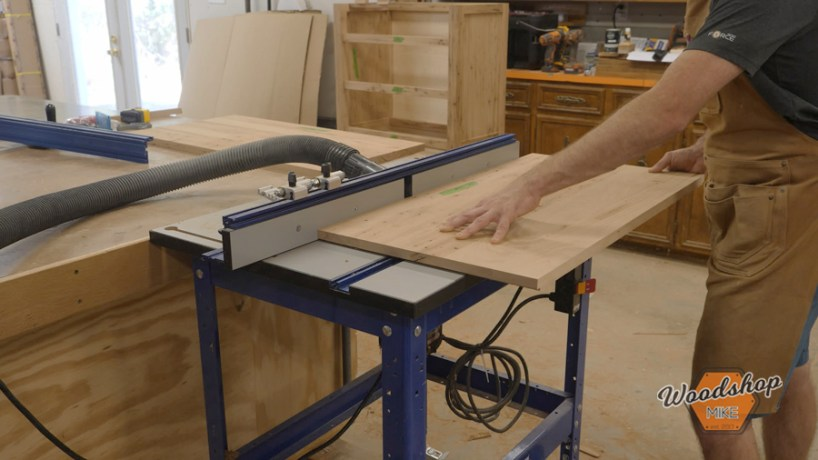 cutting a rabbet on the router table