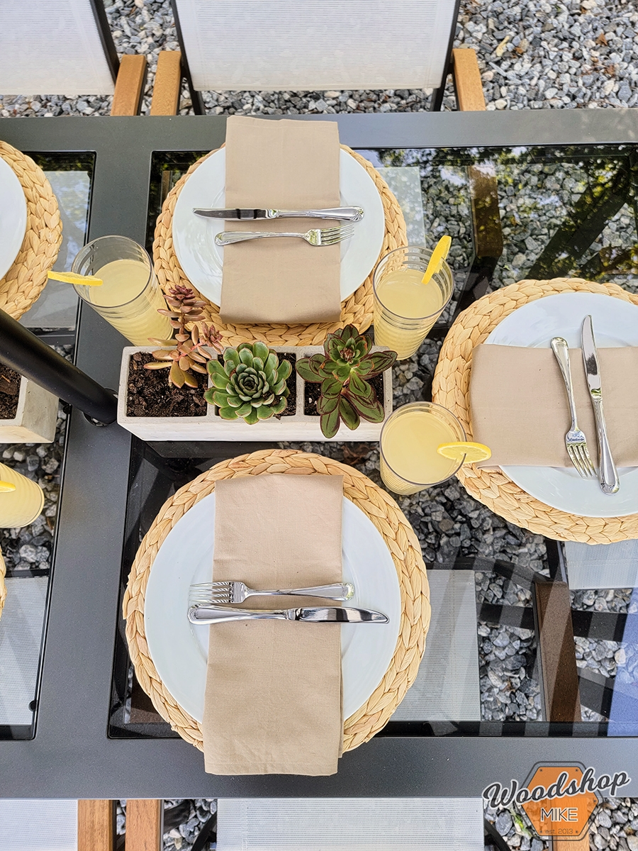 Outdoor Oasis tablescape