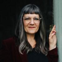 Sari-Botton-personal-essay-panel-woodstock-bookfest
