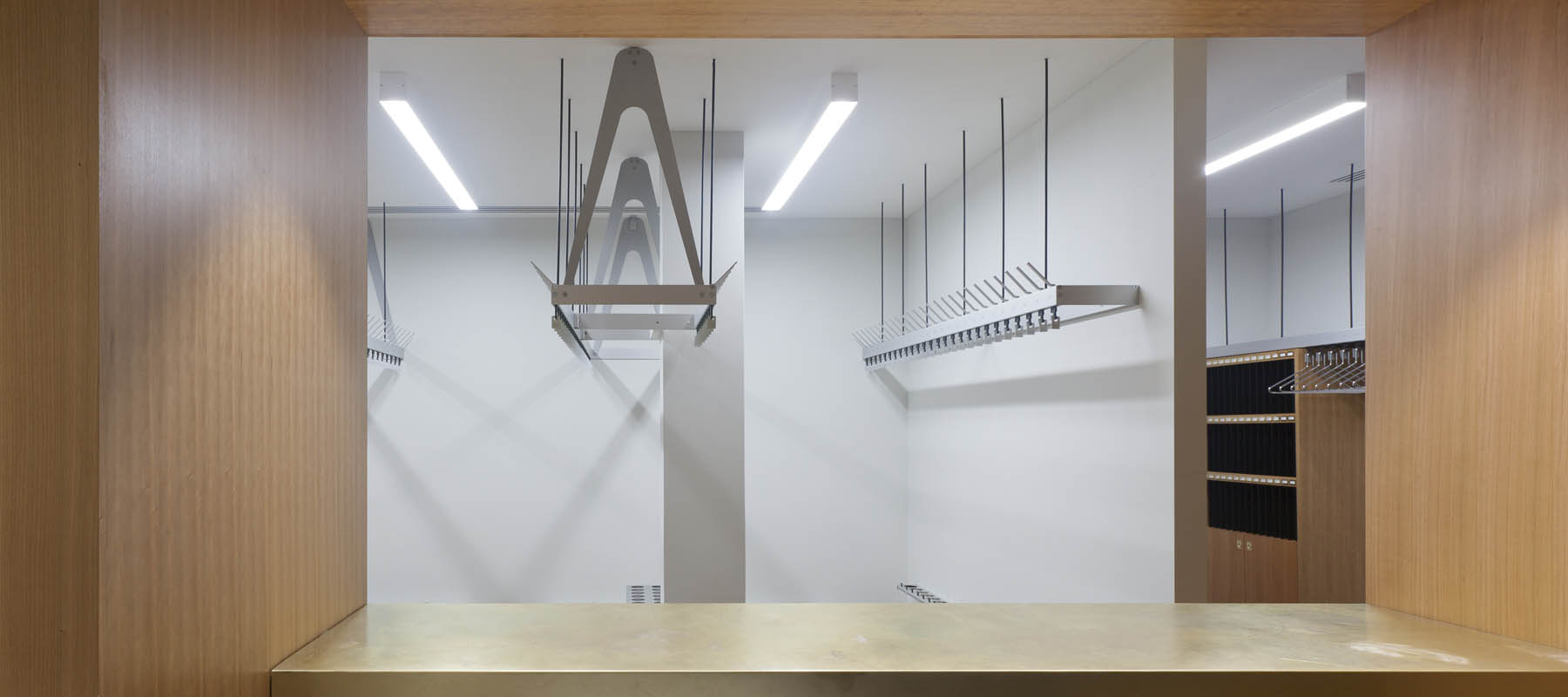 Bespoke coat hanging systems | Woodwood Group