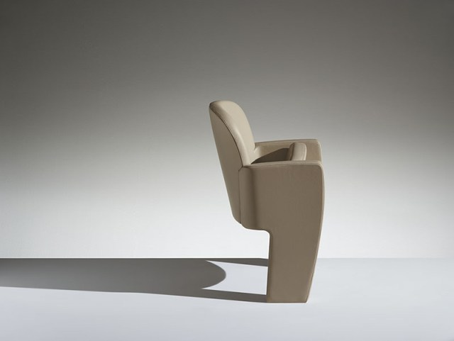 LAMM Tail Conference Seat   Woodwood Group
