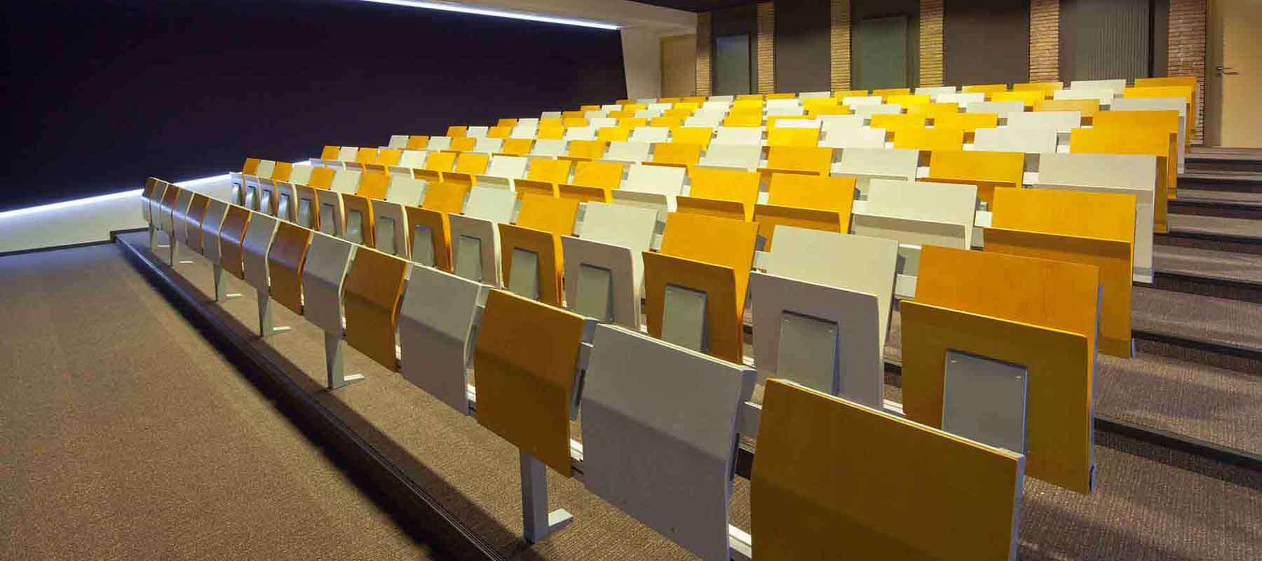 Education & Lecture theatre seating | Woodwood Group