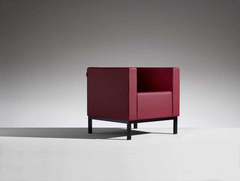 LAMM Polo Armchair | Woodwood Group