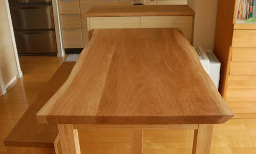 ご納品したナラ無垢3枚接ぎ天板、木目の様子です