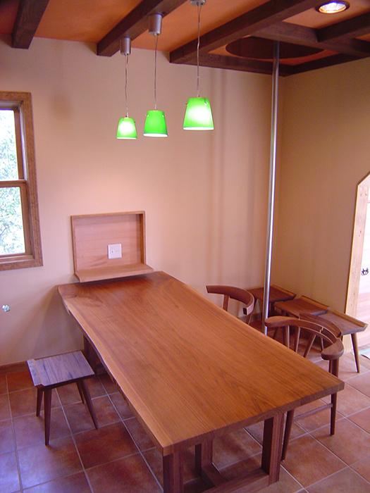 アメリカンブラックウォールナット3枚接ぎ天板ダイニングテーブルセット、ご納品の様子