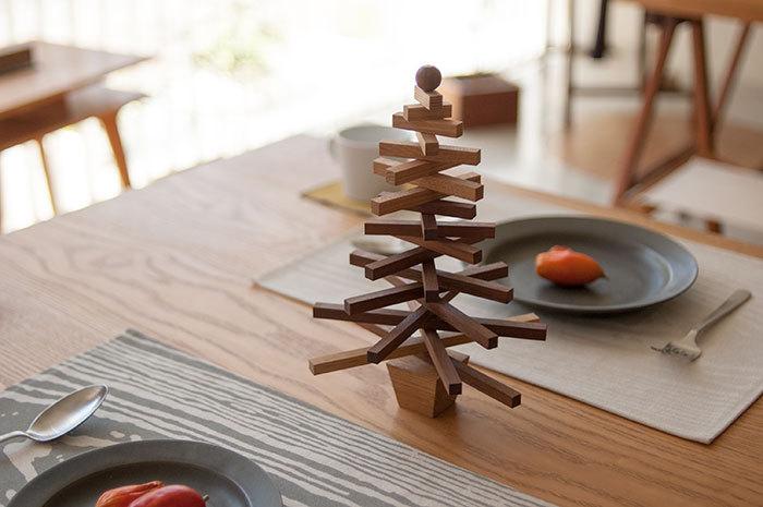 クリスマスツリーを出した様子の画像です