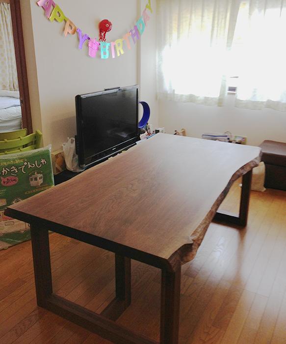 オーダー家具/アメリカンブラックウォールナット材の無垢テーブルの画像です