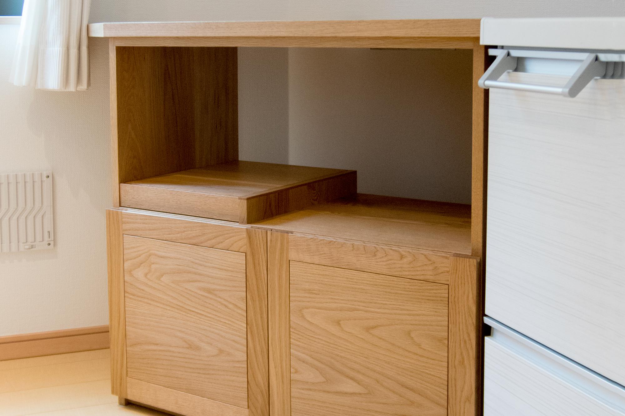 無垢材を贅沢につかったキッチンコーナー収納