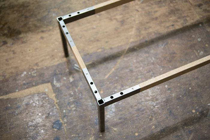 試作中の小さなローテーブル用の脚部